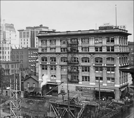 1008895323-columbian-building-1913