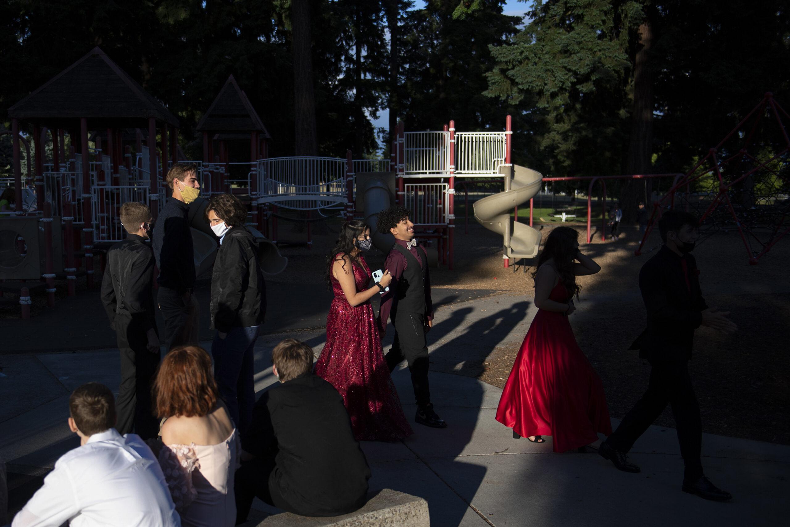 1009083243-prom-photo-story_11-scaled